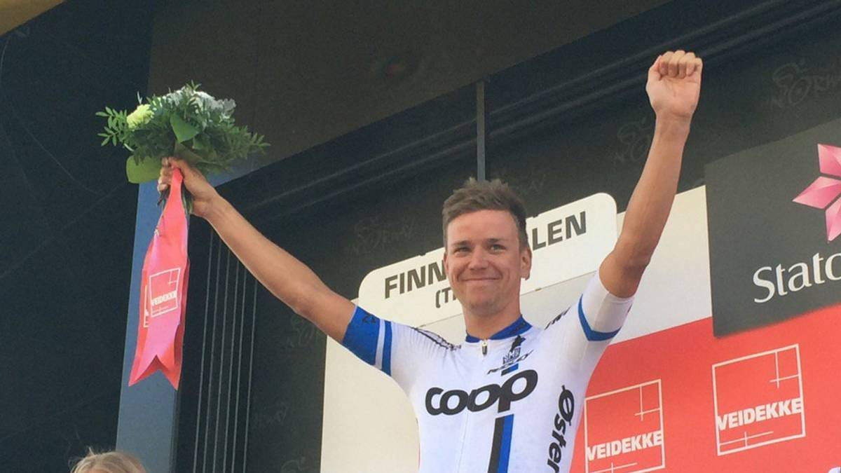 August Jensen tras vencer en la tercera etapa de la Arctic Race of Norway