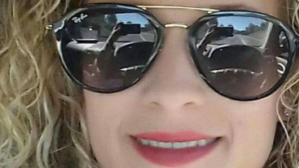 Imagen de la conductora que atropelló mortalmente e hirió a otros ocho en Mallorca haciéndose un selfi mientras conduce.
