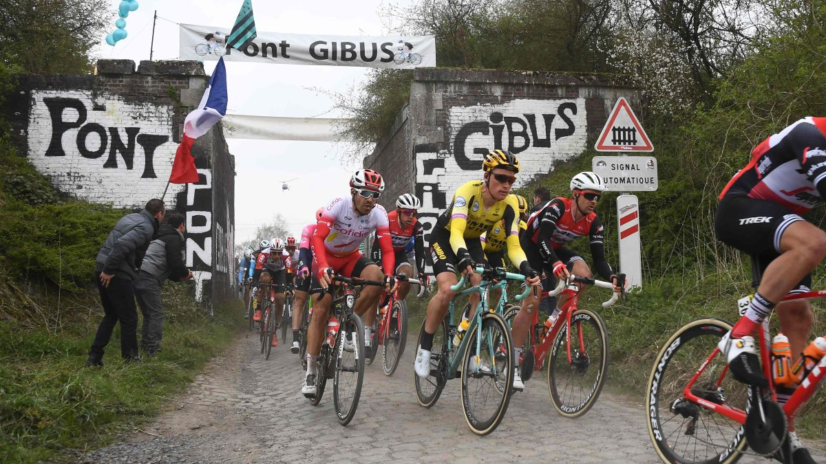 The Paris-Roubaix 2021 in April, each day further away