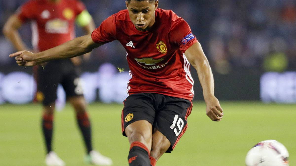 Rashford adelanta al United en primera semi de Europa League