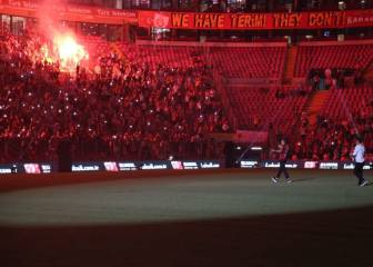 Galatasaray fans in raptures at Falcao's unveiling at the Türk Telekom Stadium