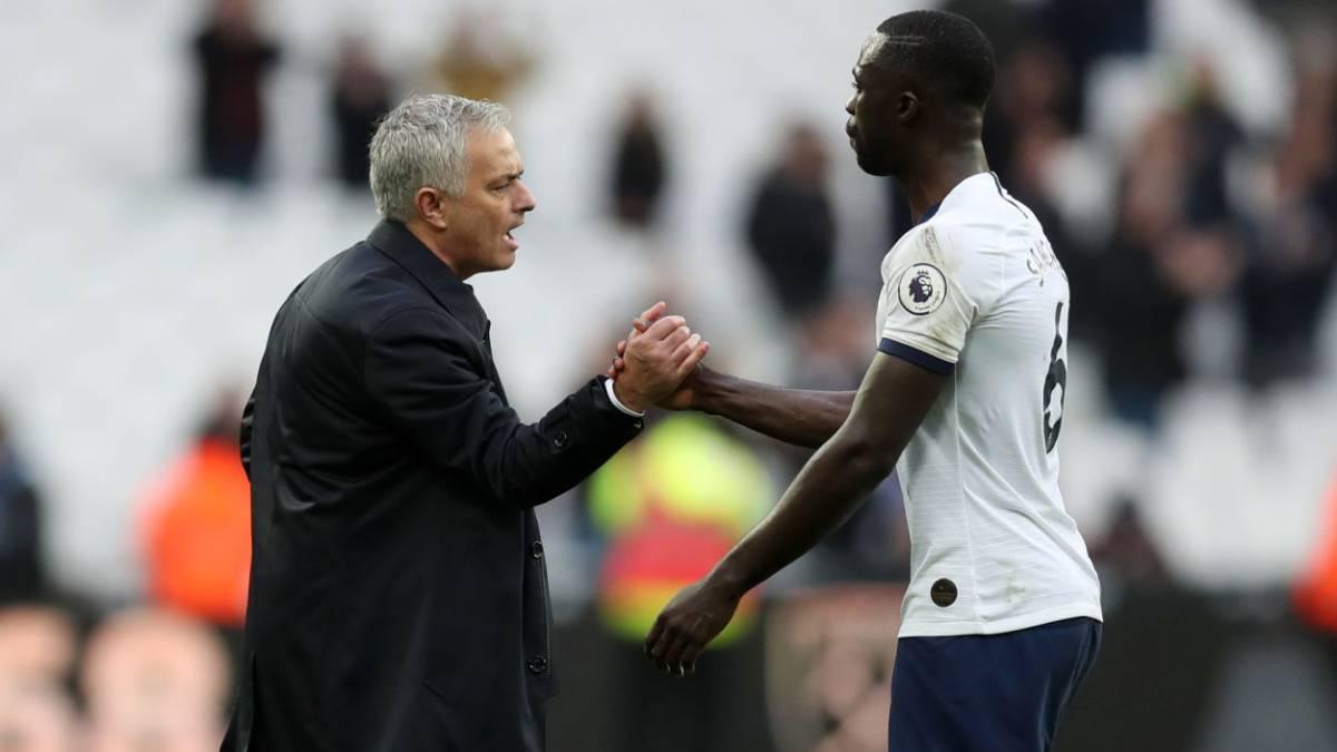 Mourinho gana en su debut con Davinson de titular en Tottenham - AS Colombia