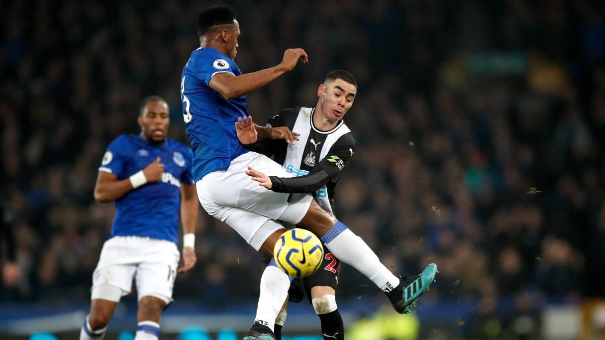 Newcastle sorprende al Everton de Mina sobre el final - AS Colombia