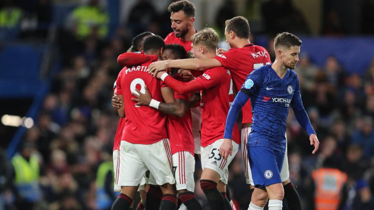El United asalta Stamford Bridge (0-2)