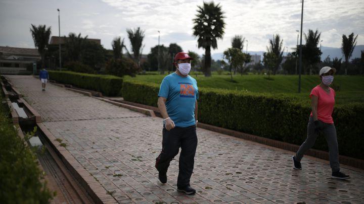 Toque De Queda Hoy Jueves 22 De Abril Horarios Y Multas En Bogota Medellin Cali Barranquilla As Colombia