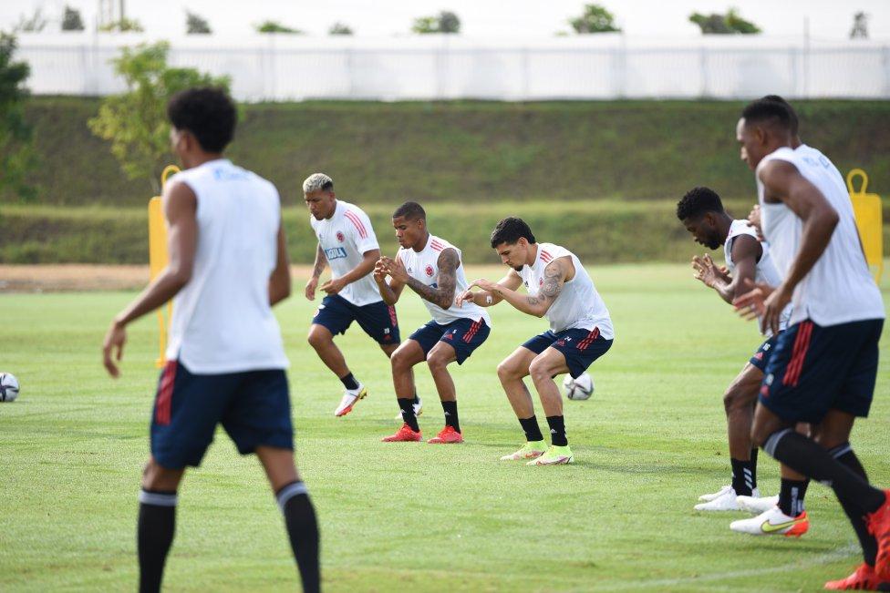 La Selección Colombia entrena en la nueva Sede Deportiva de la FCF. El equipo de Rueda se medirá ante Ecuador en un duelo clave en las Eliminatorias