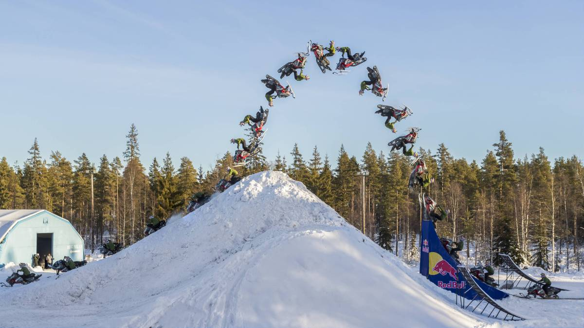 Video doble backflip moto de nieve Daniel Bodin