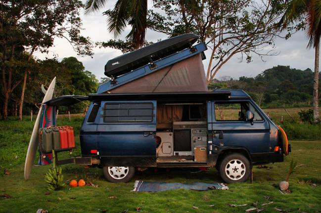 VW Westfalia Furgoneta Our Open Roads familia piratas tablas surf