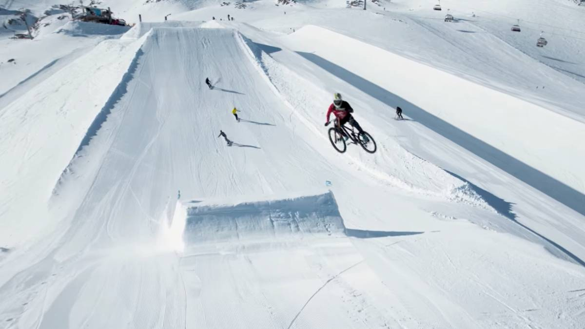MTB snowboard snowpark video