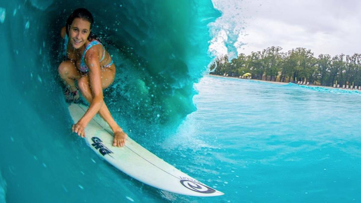 Alana Blanchard, Waco Wave Pool Surf piscina olas artificiales
