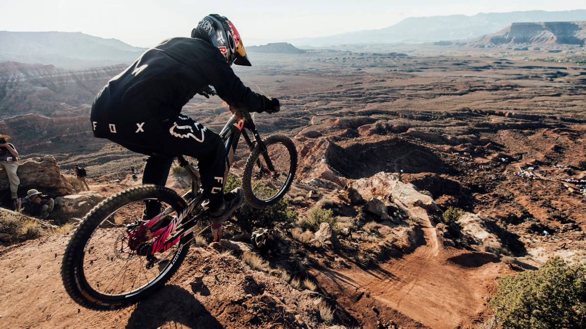 andreu lacondeguy preparado drop linea desierto virgin utah red bull rampage 2018 evento mtb freeride mountain bike