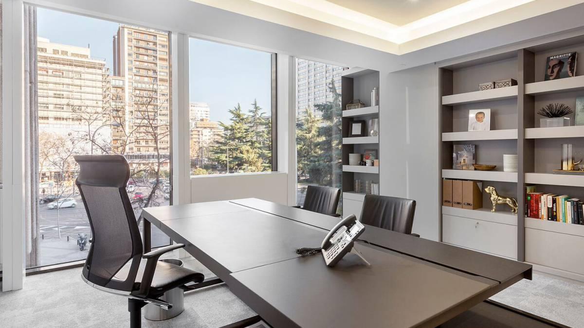C mo tu oficina influye en tu productividad la filosof a for Ideas de oficinas modernas