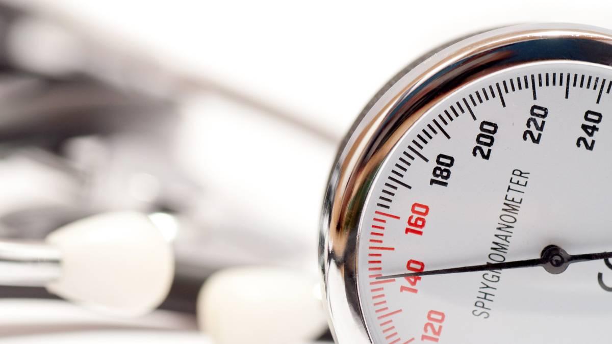 Hipertensión: cómo medir la presión arterial y cuáles son..