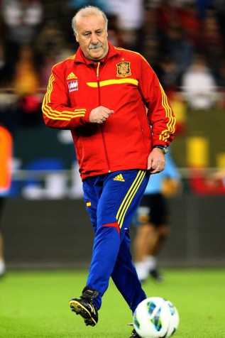 Del Bosque equals Kubala's record of 68 games in charge