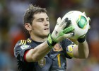 "Iker: ""Diego López had to play; I did consider leaving"""