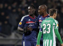 Betis progress despite defeat in Lyon
