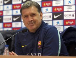 Martino hints that Messi will warm the bench