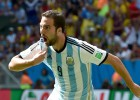 Higuaín sends Argentina into the semi-finals
