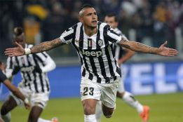 United abandon Di María chase and close in on Vidal