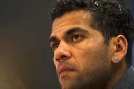 """I don't feel valued by the club or the fans,"" says Alves"