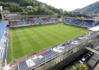 Cristiano asks about the dimensions of Eibar's pitch