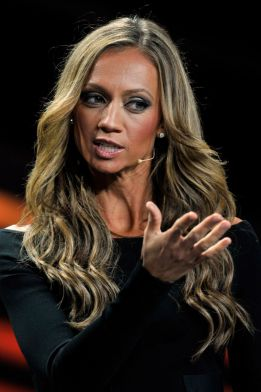 Kate Abdo, your co-host for this evening's FIFA gala