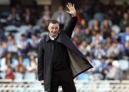 Real Sociedad roll out the red carpet for John Aldridge