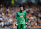 Man Utd's Víctor Valdés rejects offer from Valencia