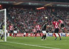 Aduriz leaps high to drag Athletic back from the brink