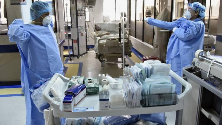 Un informe revela que el 94% de las muertes no ha sido únicamente por la COVID-19
