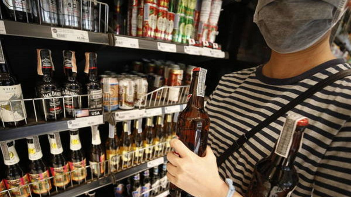 Andalusia prohibits the Sale of Drinks with more than 21 degrees of Alcohol from 6:00 p.m.