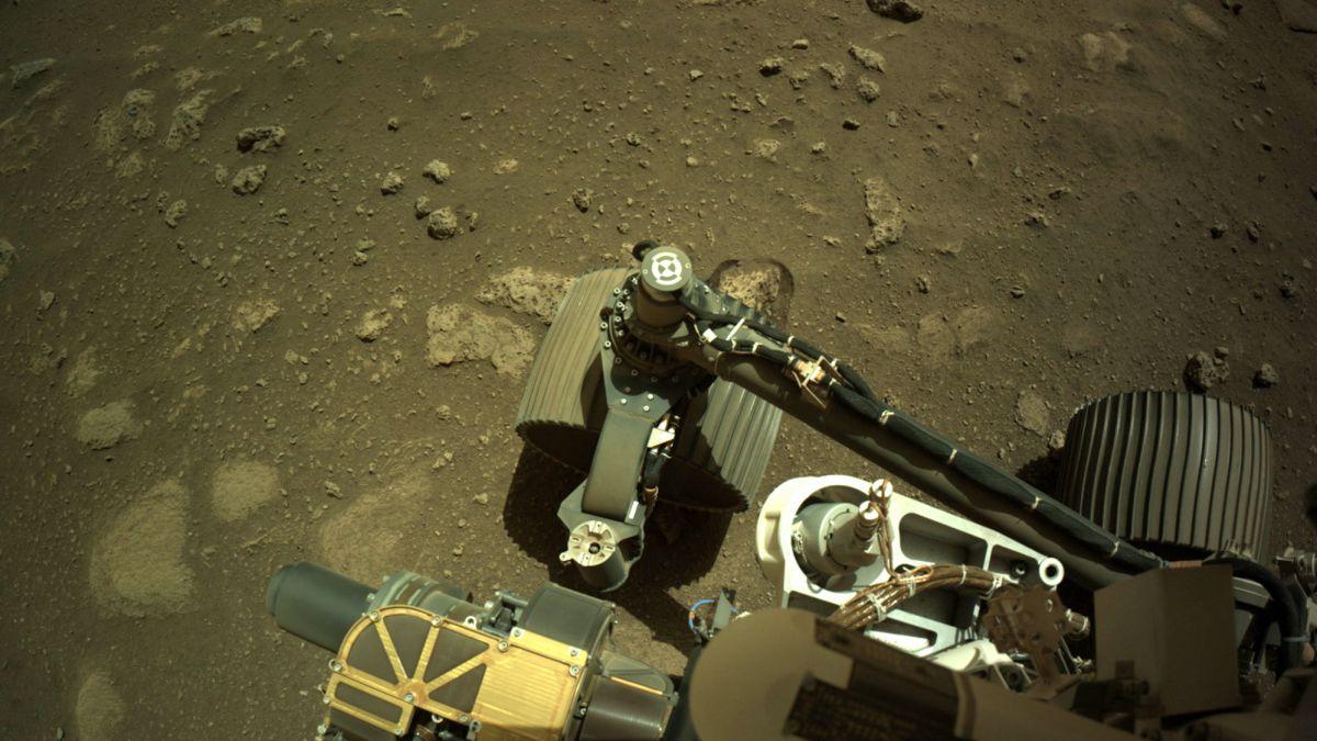 Perseverance da su primer paseo por Marte: las imágenes