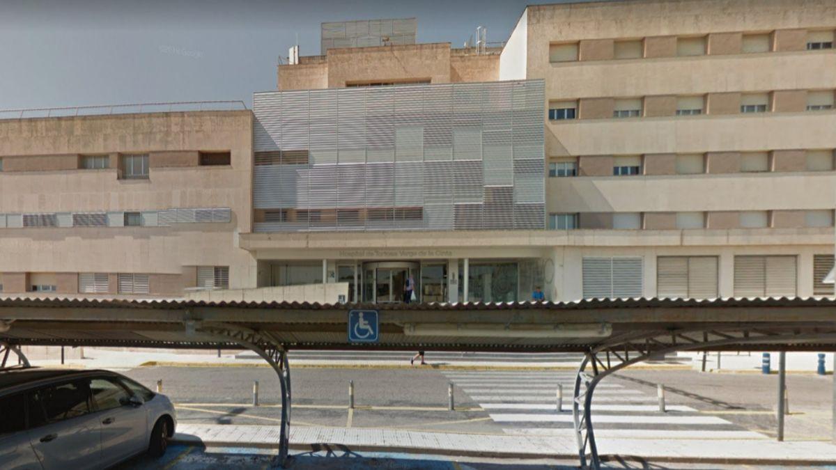 Muere la mujer de la pareja de enfermos de COVID que se casaron en la UCI de Tortosa