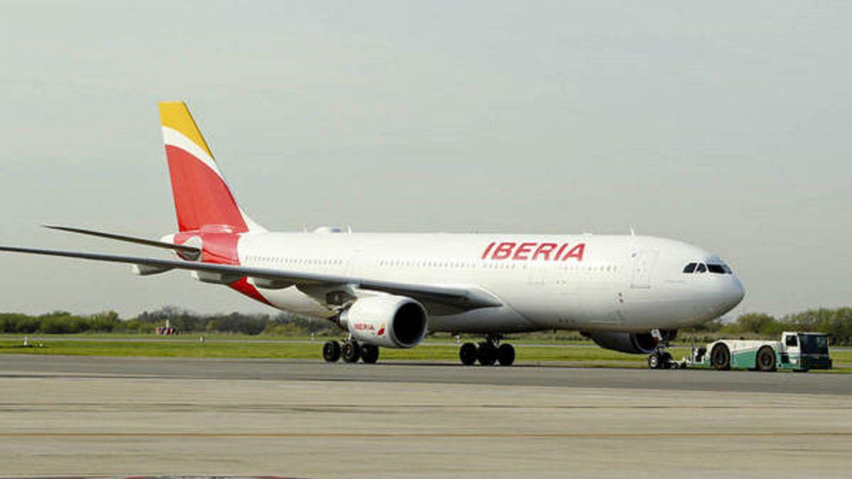 ¿Cuánto cuesta facturar una maleta si viajo en avión? Ryanair, Vueling, Iberia...