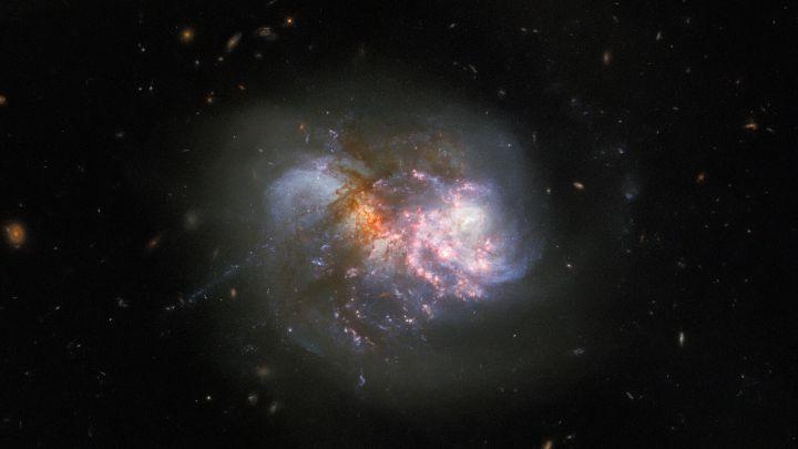 Captan una colisión cataclísmica de dos galaxias a punto de fusionarse