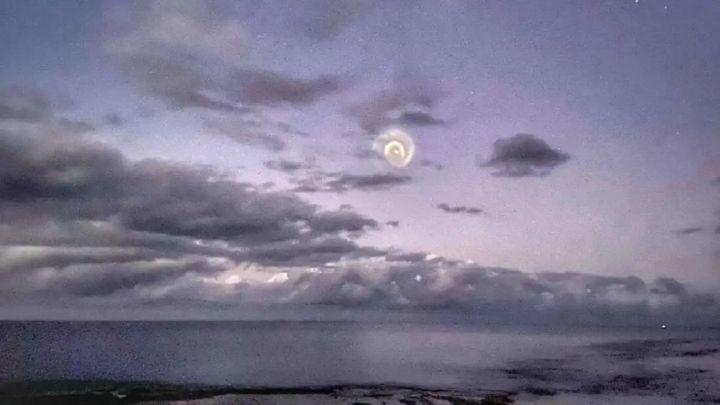 La extraña espiral en el cielo que desconcierta a los expertos