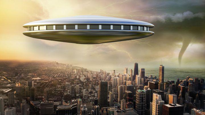 """Los extraterrestres podrían """"abrir el planeta como si fuese una nuez"""""""