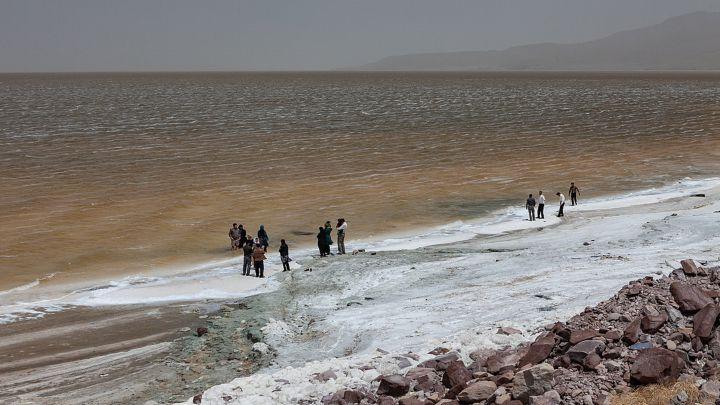 El lago más grande de Oriente Medio ahora es una llanura de sal