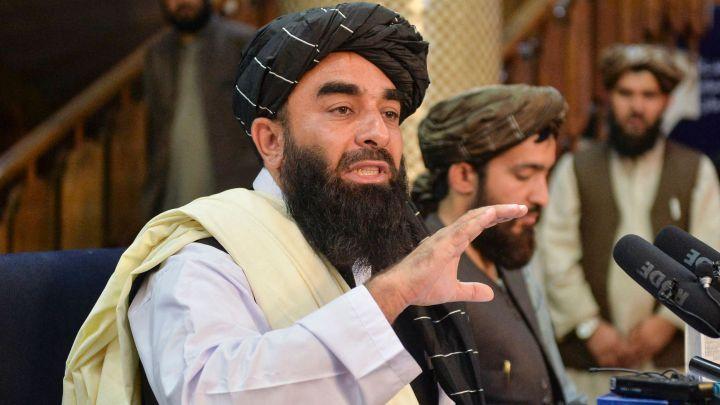 """Los talibanes advierten de """"consecuencias"""" si los países no abandonan Afganistán el día 31"""