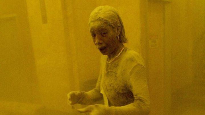 """La triste historia de Marcy Borders, la """"dust lady"""" en la icónica foto del 11-S"""