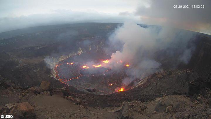 Y ahora otro volcán entra en erupción