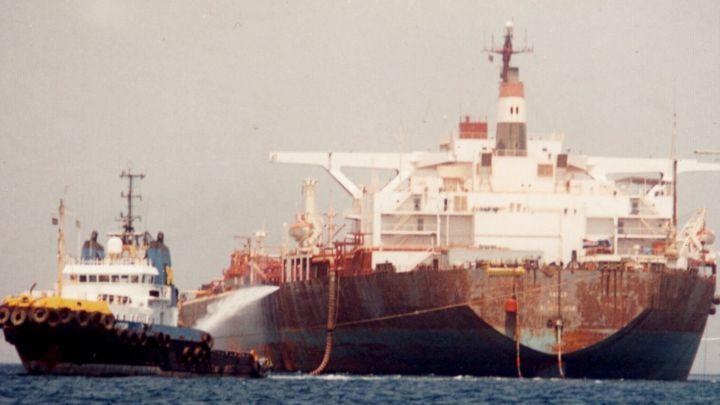Un buque abandonado en el Mar Rojo amenaza una catástrofe