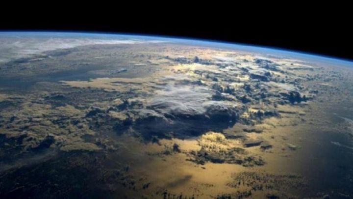 Hallan pruebas de que la Tierra puede volcarse sobre su eje
