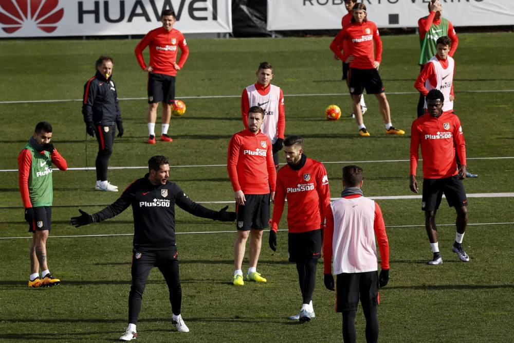 Simeone forced into rookie back line for Eibar visit