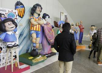 Lim, Mario Kempes and Manolo 'El del Bombo' in Las Fallas