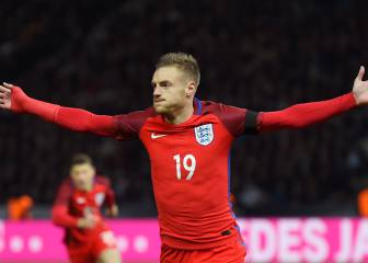 Vardy hopes England exploits help Leicester title bid