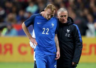 Mathieu out for 6 to 8 weeks after knee surgery