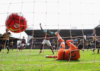 Carroll hat trick skewers Arsenal's title ambitions