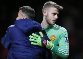 Carrick and De Gea overjoyed as United book final place