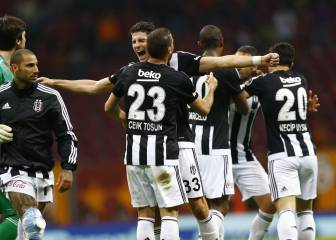 Fenerbahçe slip puts Turkish title on a plate for Besiktas